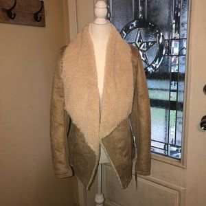 Super cute and cozy jacket size small BY &BY NWT